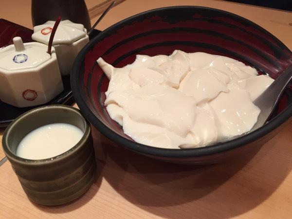 おぼろ豆腐と豆乳スープ