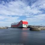 大さん橋に川崎汽船「DRIVE GREEN HIGHWAY」が停泊!あまりのデカさに衝撃