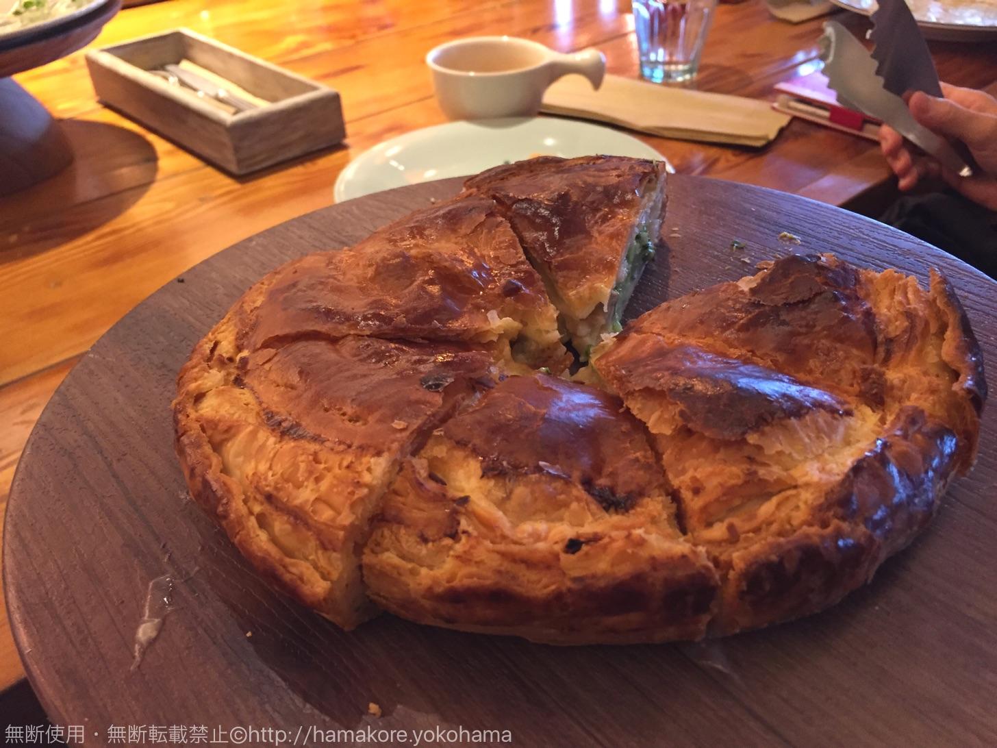 運ばれてきたホールのパイ