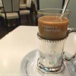 横浜駅「イノダコーヒー 横浜高島屋支店」は大人の利用者多し!読書に嬉しいカフェ