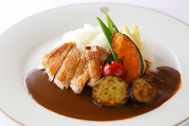 7・8月限定メニュー 「チキンと野菜のカレーライス」 1,998円