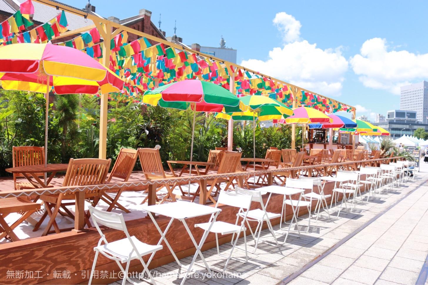 横浜赤レンガ倉庫の白浜ビーチを徹底紹介!話題の中南米リゾートイベントがいよいよ開催