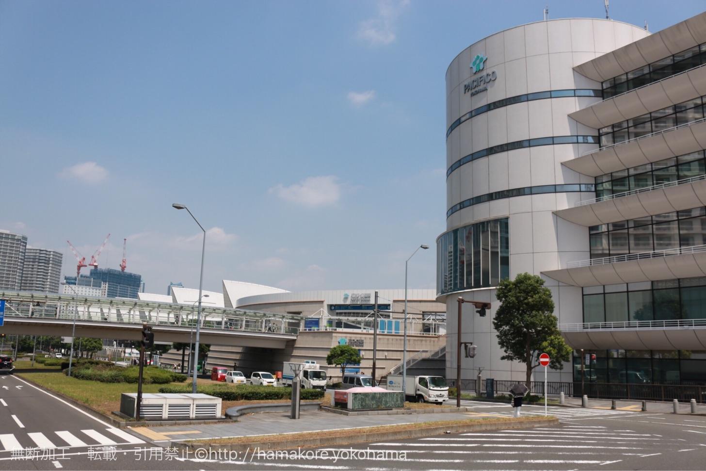 水陸両用バス「スカイダック」から見たパシフィコ横浜