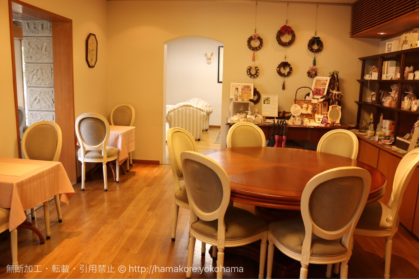 カフェ・ザ・ローズの店内席