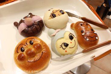 横浜みなとみらい「ジャムおじさんのパン工房」が可愛すぎ!アンパンマンキャラ勢揃いのパン販売