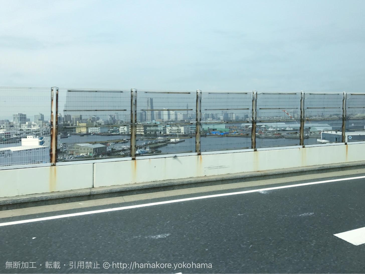 バスから見た横浜の景色