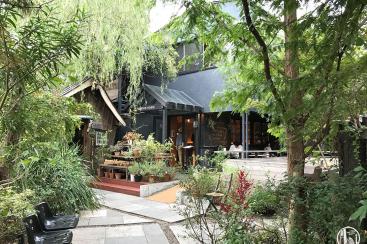 鎌倉「ガーデンハウス」は駅近の超お洒落カフェ!自然・緑に癒やされた