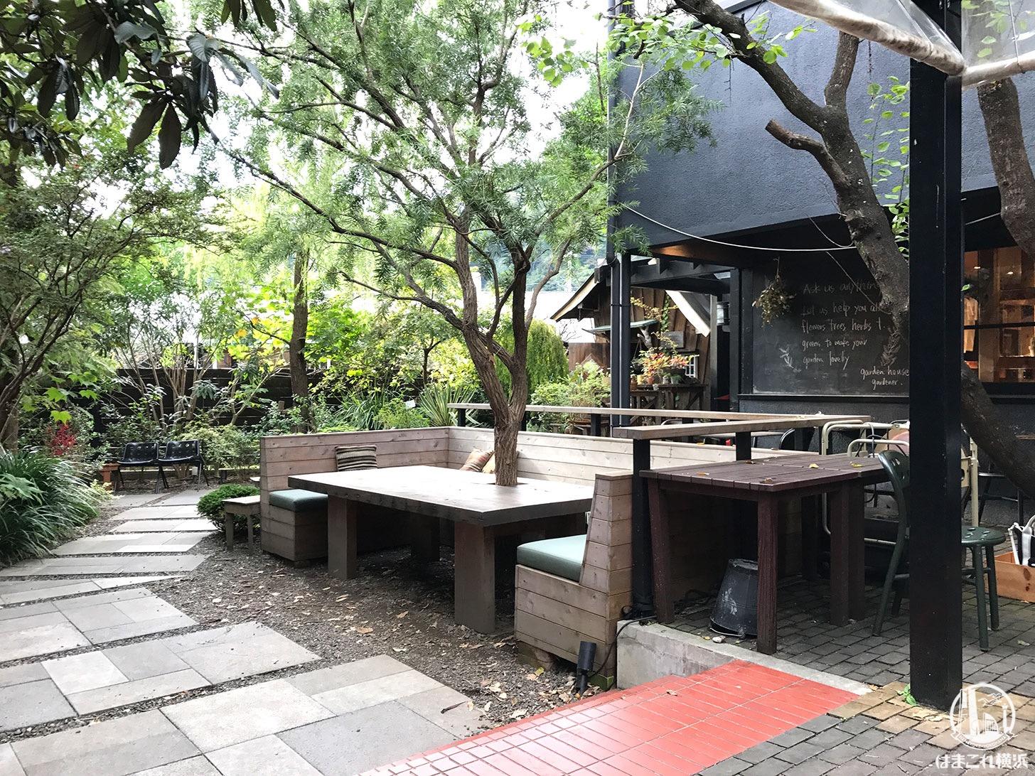 鎌倉「ガーデンハウス」テラス席