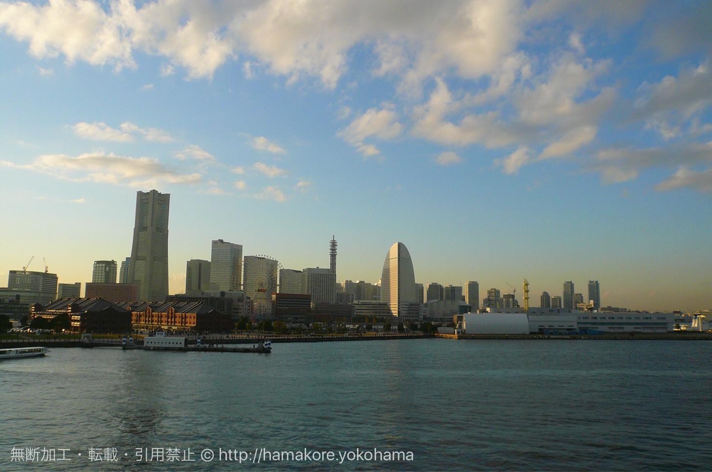 大さん橋から見た横浜みなとみらいの景色
