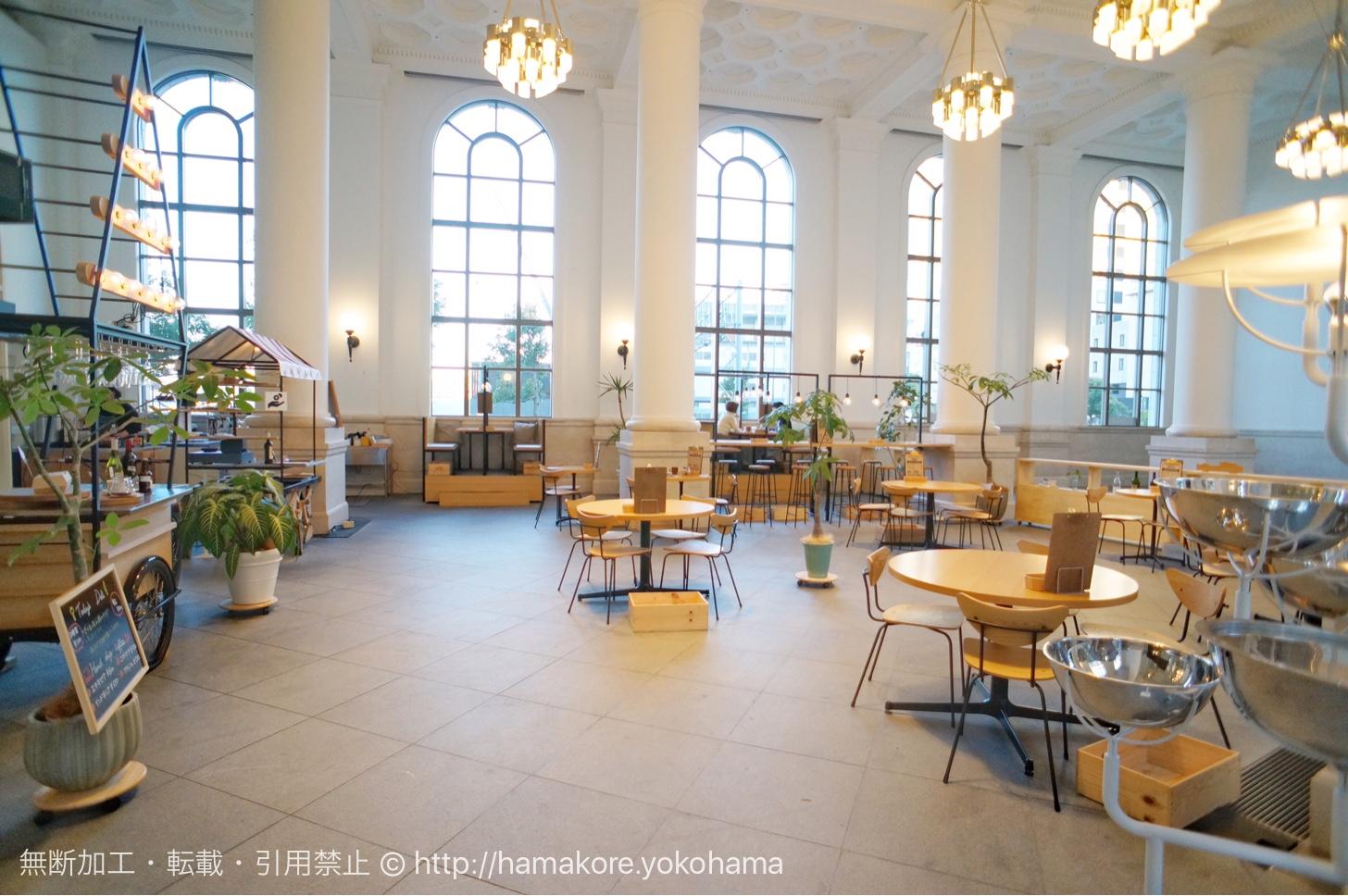 横浜みなとみらい「カフェ オムニバス」の空間が魅力!歴史的建物のお洒落カフェ