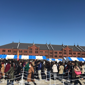 横浜赤レンガ倉庫「パンのフェス」は有料300円の入場は必須!混んでるけど美味しい!