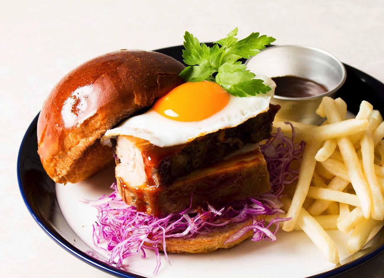 グルメバーガーカフェ「café & dining blue terminal」が横浜 大さん橋に5月26日オープン!