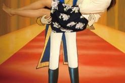 横浜中華街「ベルばらの部屋」に新作お姫様抱っこが登場!コスプレイベントも開催