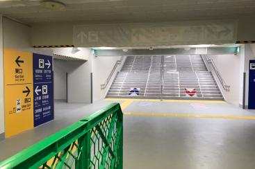 横浜駅西口 中央通路から地上への新階段・新エスカレーターがお披露目!