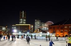 2017年 横浜赤レンガ倉庫「アートリンク」のオープニングセレモニーが12月1日から開催!夜空の下でアイススケート