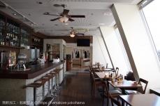 みなとみらいの電源カフェ「grill&sea table AKITO」は日本丸が目の前で絶景!窯焼きピザも美味