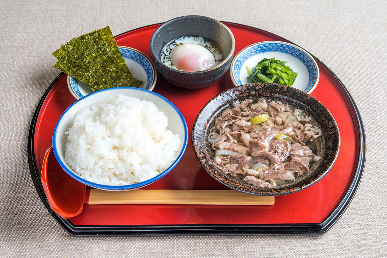牛吸い・温玉朝定食 500円