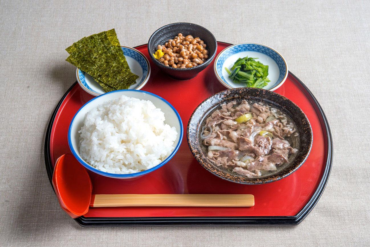 牛吸い・納豆朝定食 500円