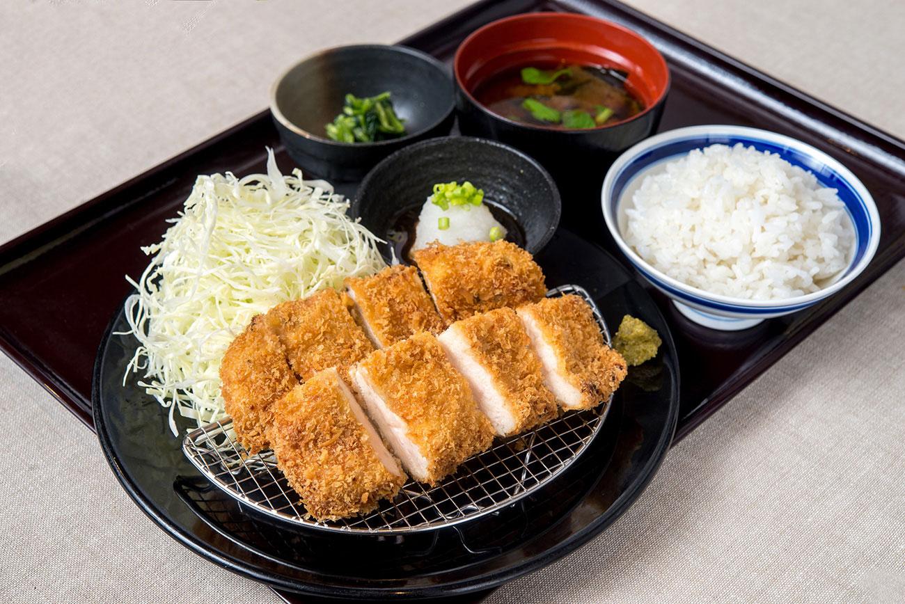 鶏カツ膳 ランチ限定価格 880円