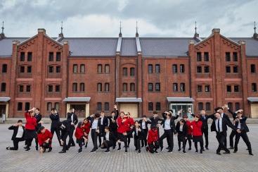 横浜赤レンガ倉庫のダンスプロジェクト「崎陽軒」社員が踊るオリジナルダンス動画が配信