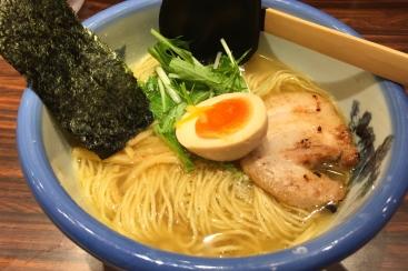 横浜ジョイナス「AFURI(あふり)」の柚子塩らーめんは女性もハマる一杯!