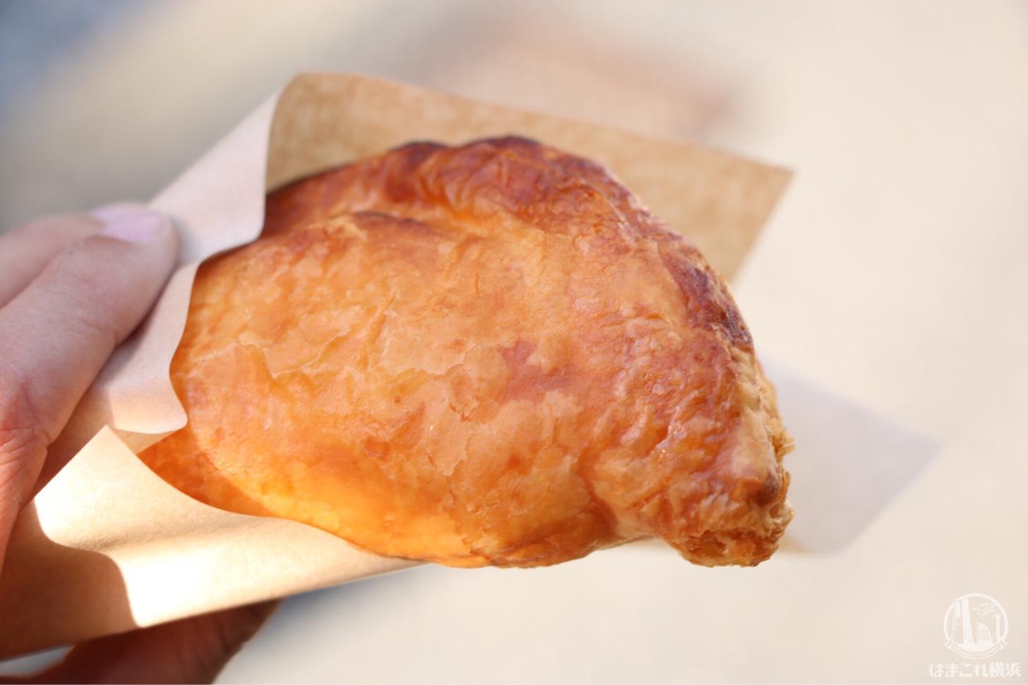 横浜中華街に「世界一の焼き立てパイ ミレメーレ」が誕生!ゴロッとりんごとサクッと生地が美味いアップルパイ