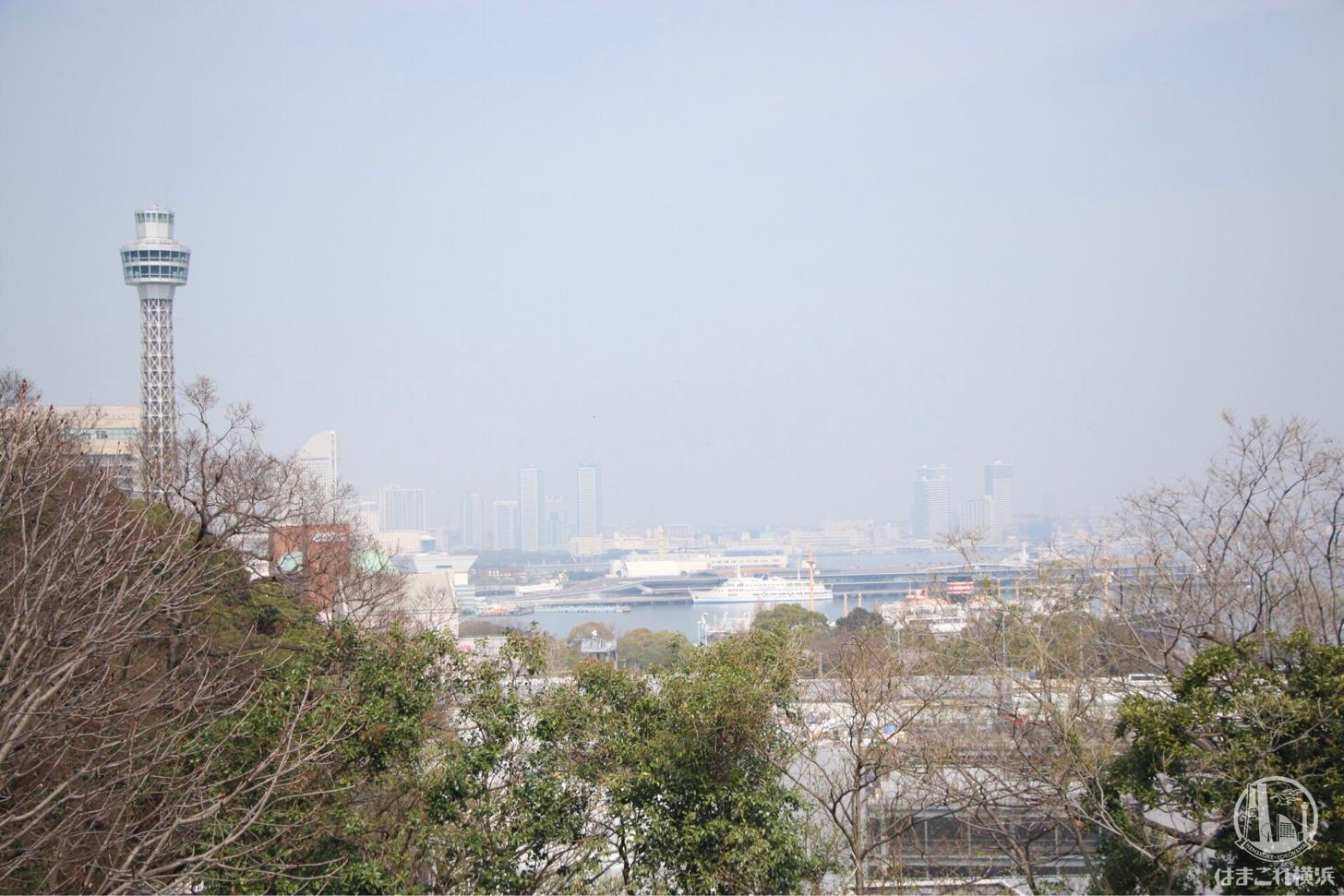 港の見える丘公園から見たみなとみらい
