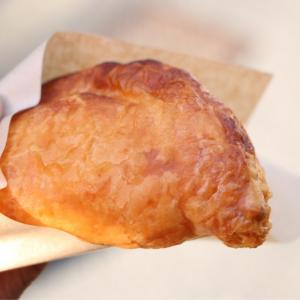 横浜中華街に「世界一の焼き立てパイ ミレメーレ」が誕生!ゴロッとりんごが美味いアップルパイ