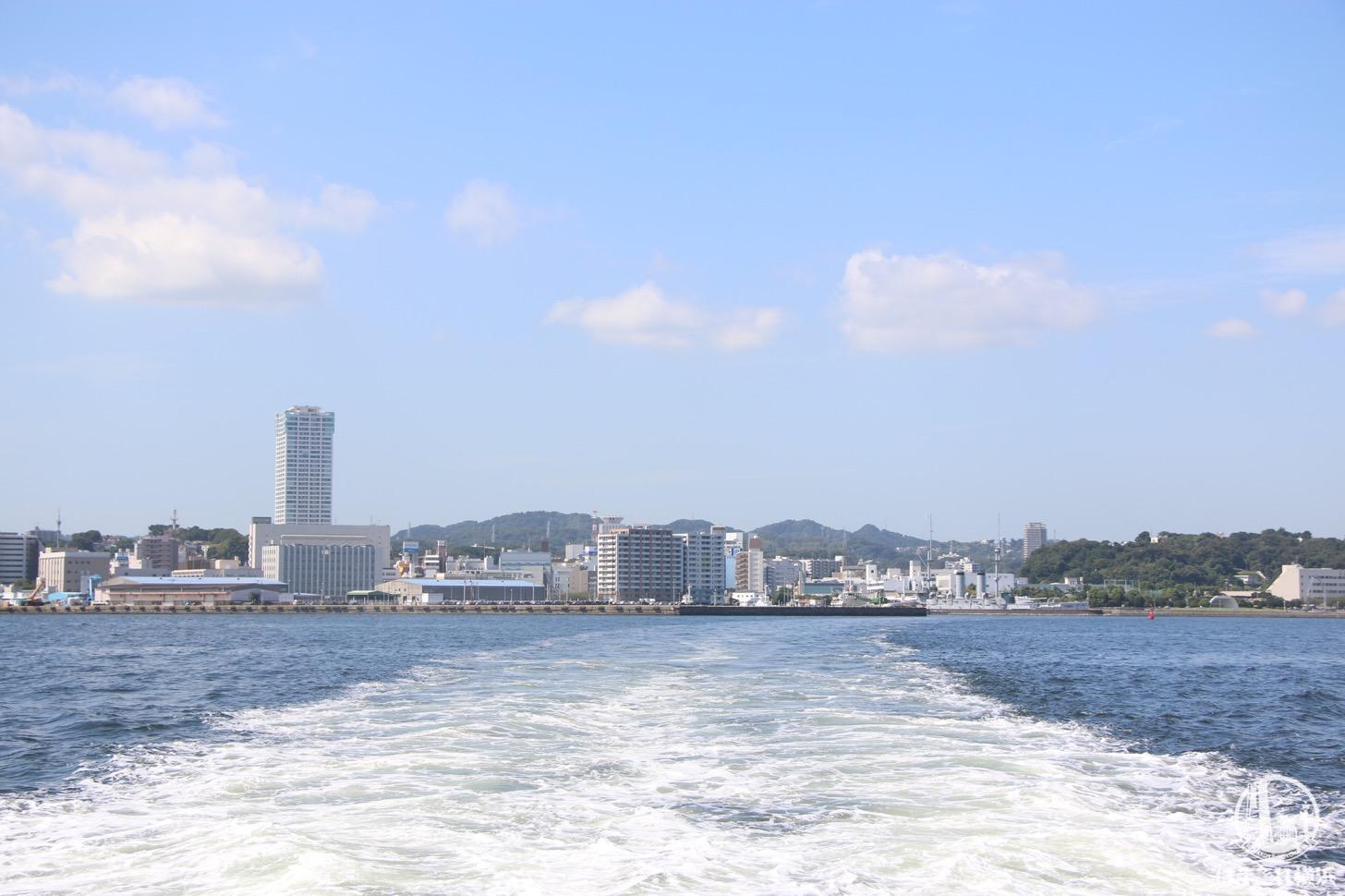 船から見た横須賀