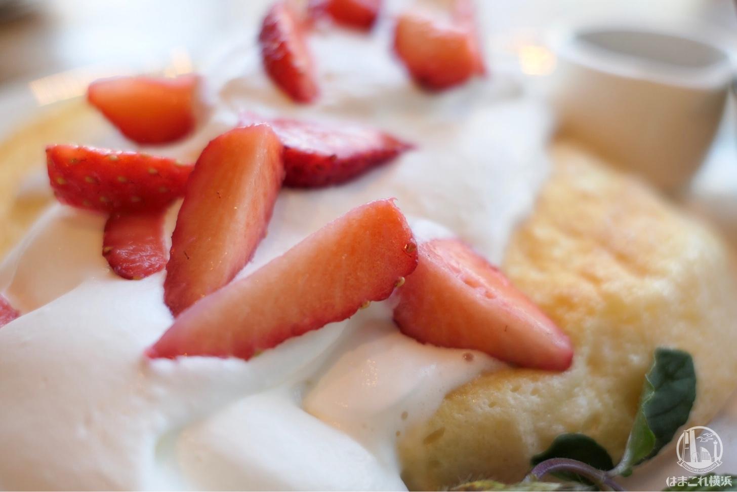 苺ミルクパンケーキ クリーム