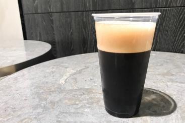 コーヒースタイルUCC 横浜の泡コーヒー「アイスブリュードコーヒー」は口当たり魅力の新感覚コーヒー