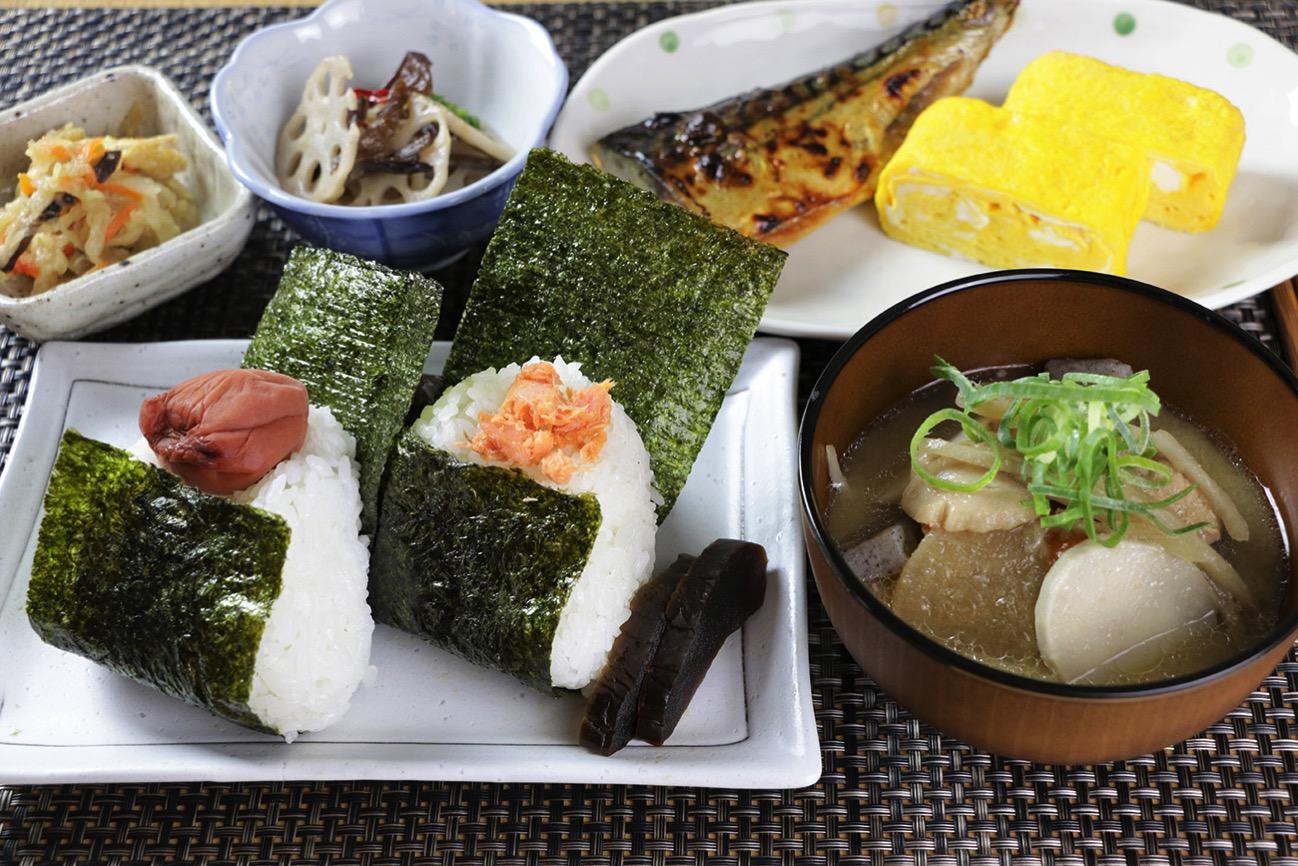 神奈川米のおにぎり朝食