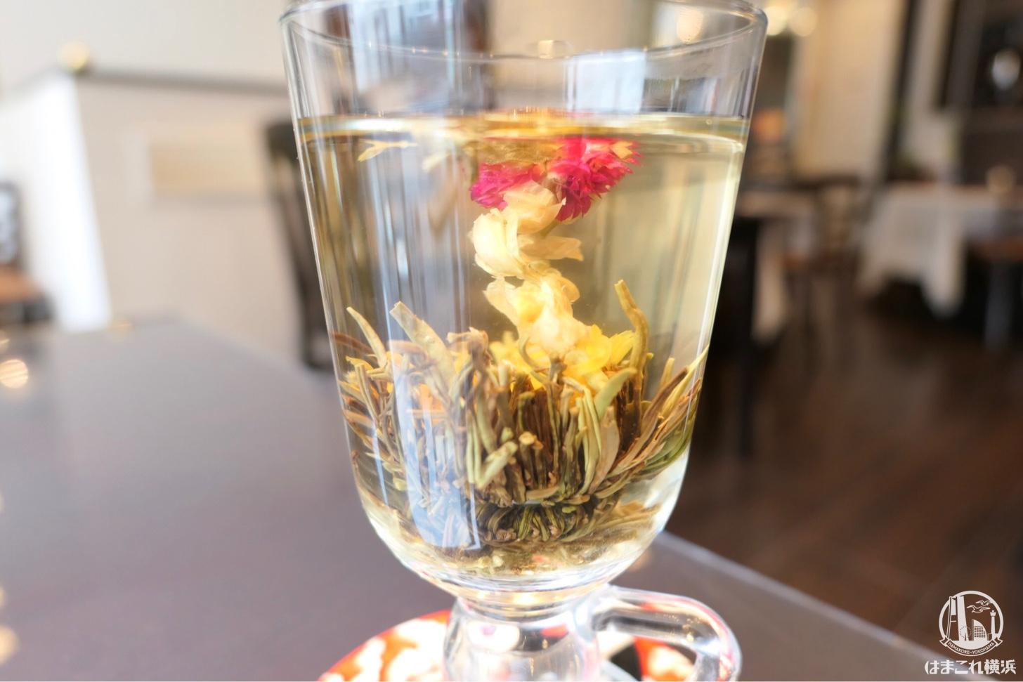 花開く工芸茶
