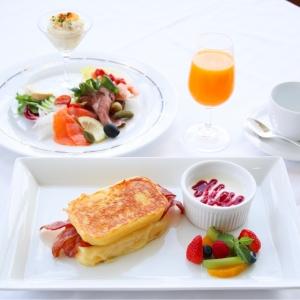 ホテルニューグランドの朝食「モンテクリスト サンド」は特別な日に!ル・ノルマンディで港を一望