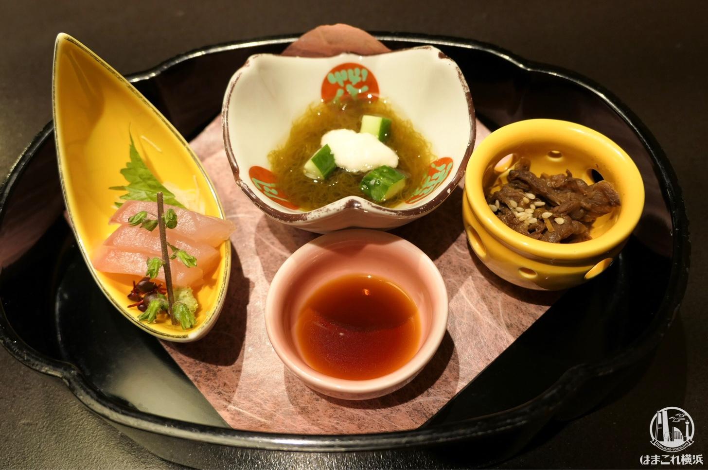 お造り・小鉢(牛のしぐれ煮)