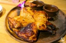 横浜 ラ・オハナの一羽丸ごとフリフリチキンが肉汁ジュワジュワ!ファミレスの域超越