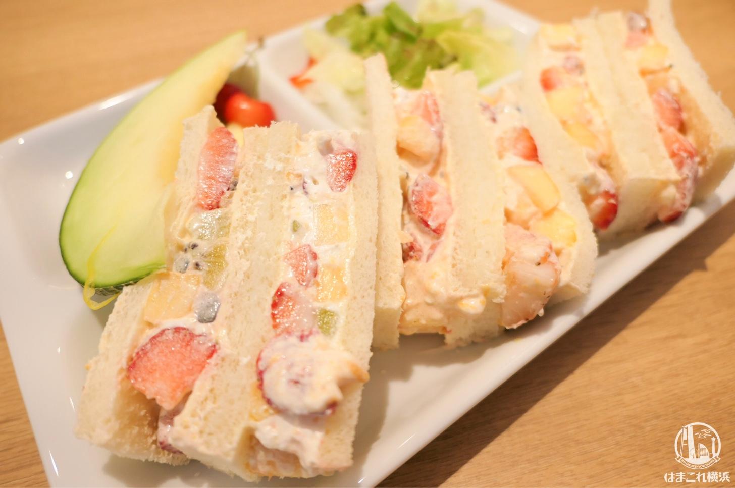 横浜「果実園リーベル」モーニングのパンケーキとフルーツサンドがフルーツ盛り盛りで安くて最強!
