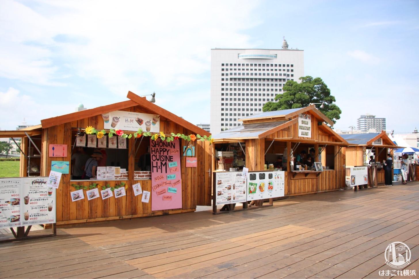 横浜赤レンガ倉庫「みんなの朝」
