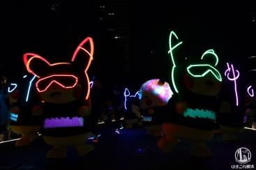 2018年 ピカチュウの大行進を夜空の下で見たら光の輝き100%でカッコ可愛い!
