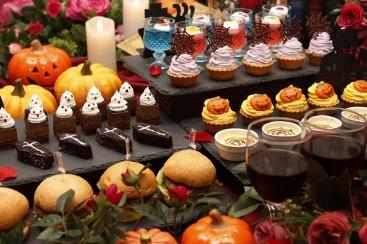 横浜の美女と野獣カフェ 2日間限定でハロウィンデザートなど約20種が食べ放題のイベント開催
