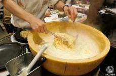 チーズカフェ 横浜の極旨チーズ料理楽しすぎ!炭火チーズフォンデュ必食