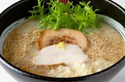 リューズ ヌードル バーがラー博にオープン!カナダ生まれの鶏白湯ラーメン逆輸入
