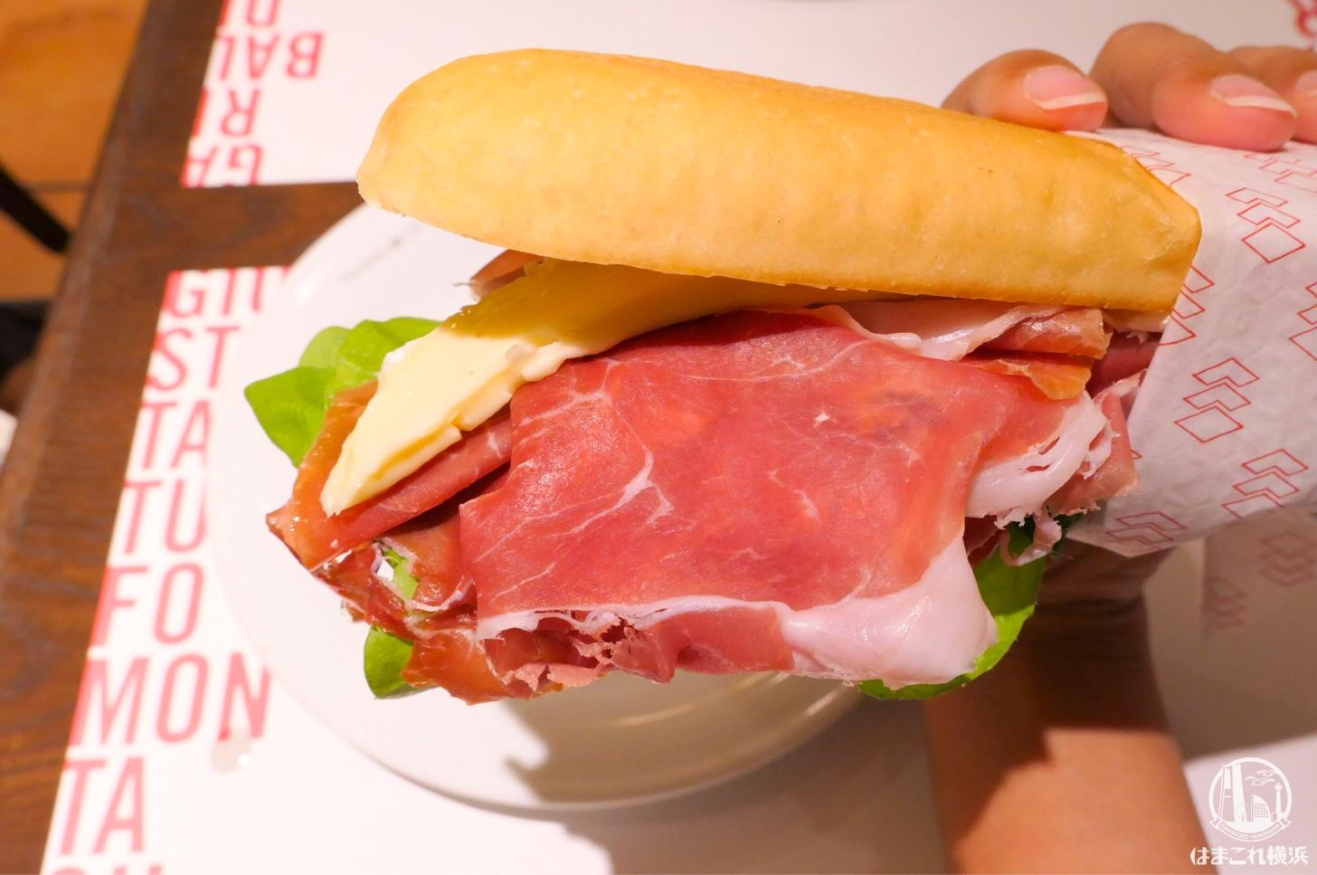 パニーノジュスト 横浜の「パニーノ」生ハム絶品・トリュフ香ってハマる!朝食・ランチに