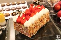 2018年 横浜ベイシェラトン ホテル、リース型やナポレオンなどクリスマスケーキお披露目!