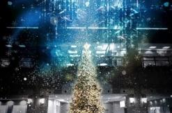 2018年 横浜 ランドマークプラザのクリスマスツリーは降雪復活!ホワイトクリスマスに