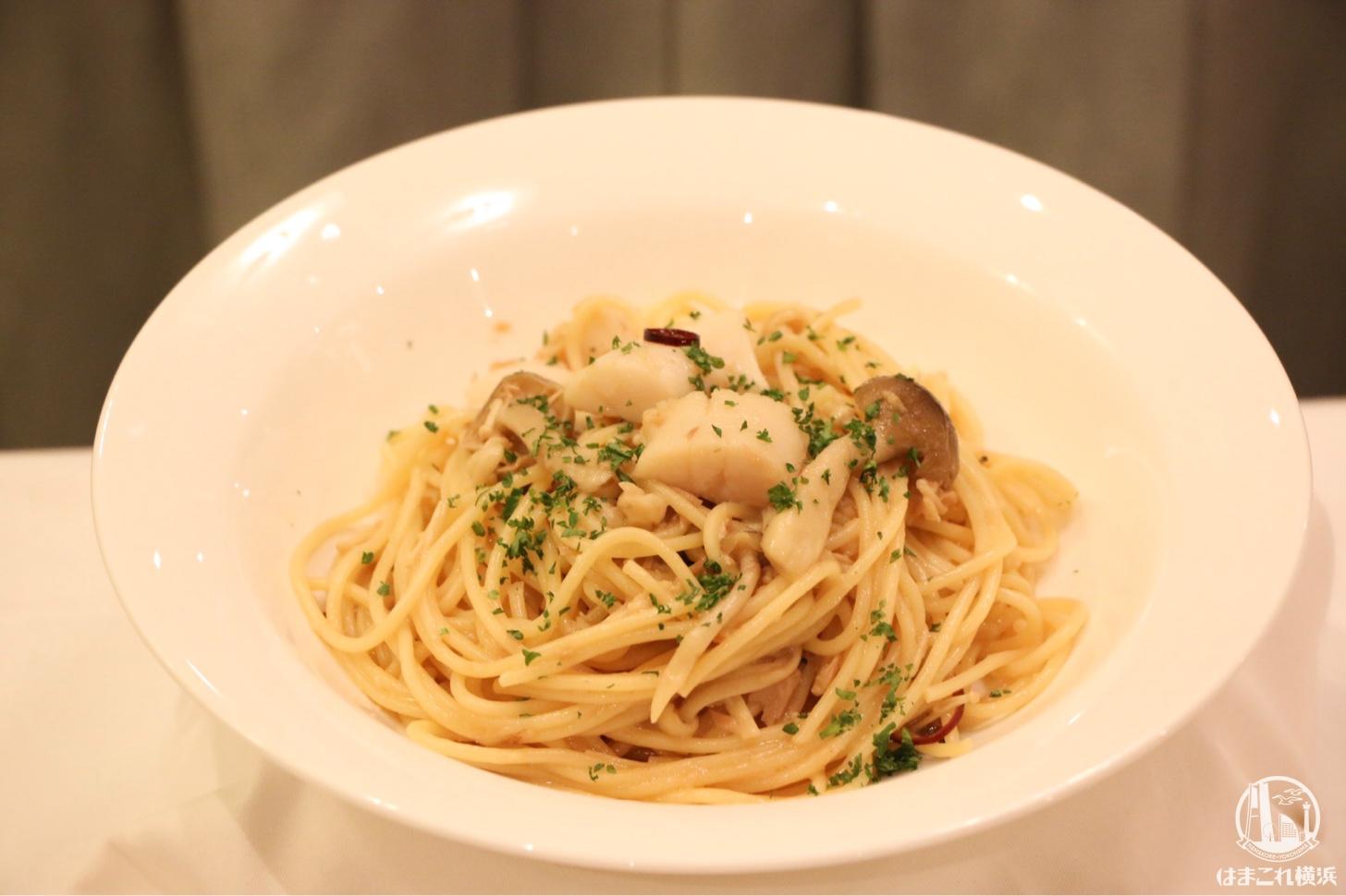 ホタテ貝とツナ、きのこのジャポネーゼ スパゲッティ
