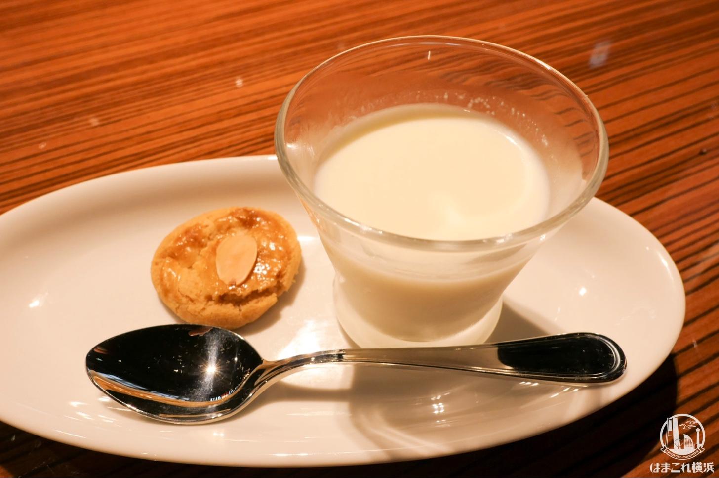 重慶飯店 本館 デザート