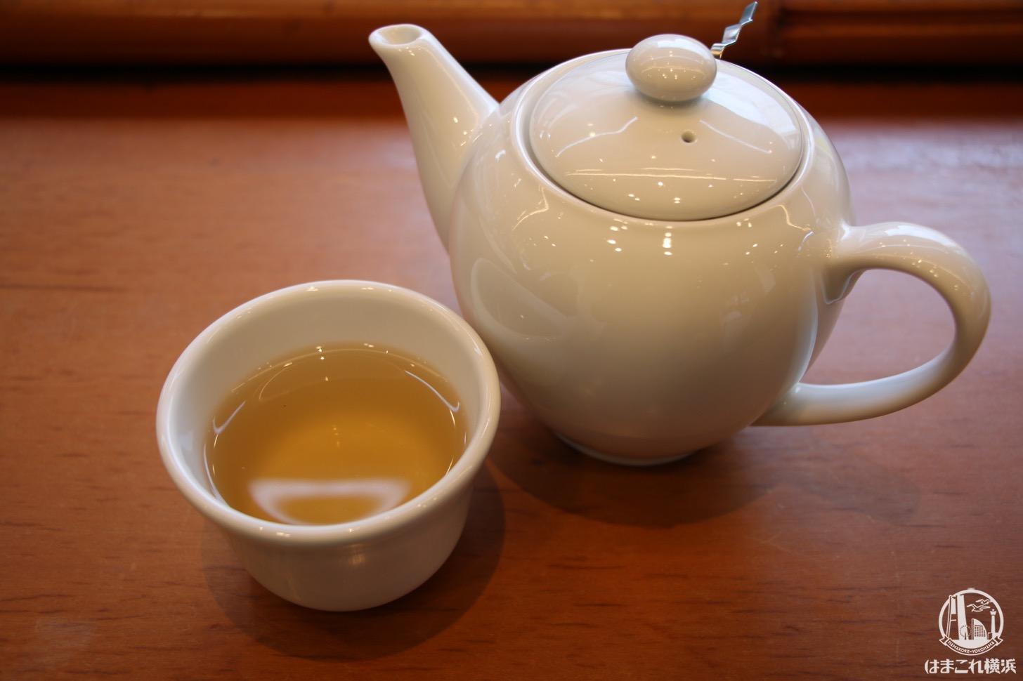 聘珍茶寮 SARIO 中華街 鉄観音茶 320円
