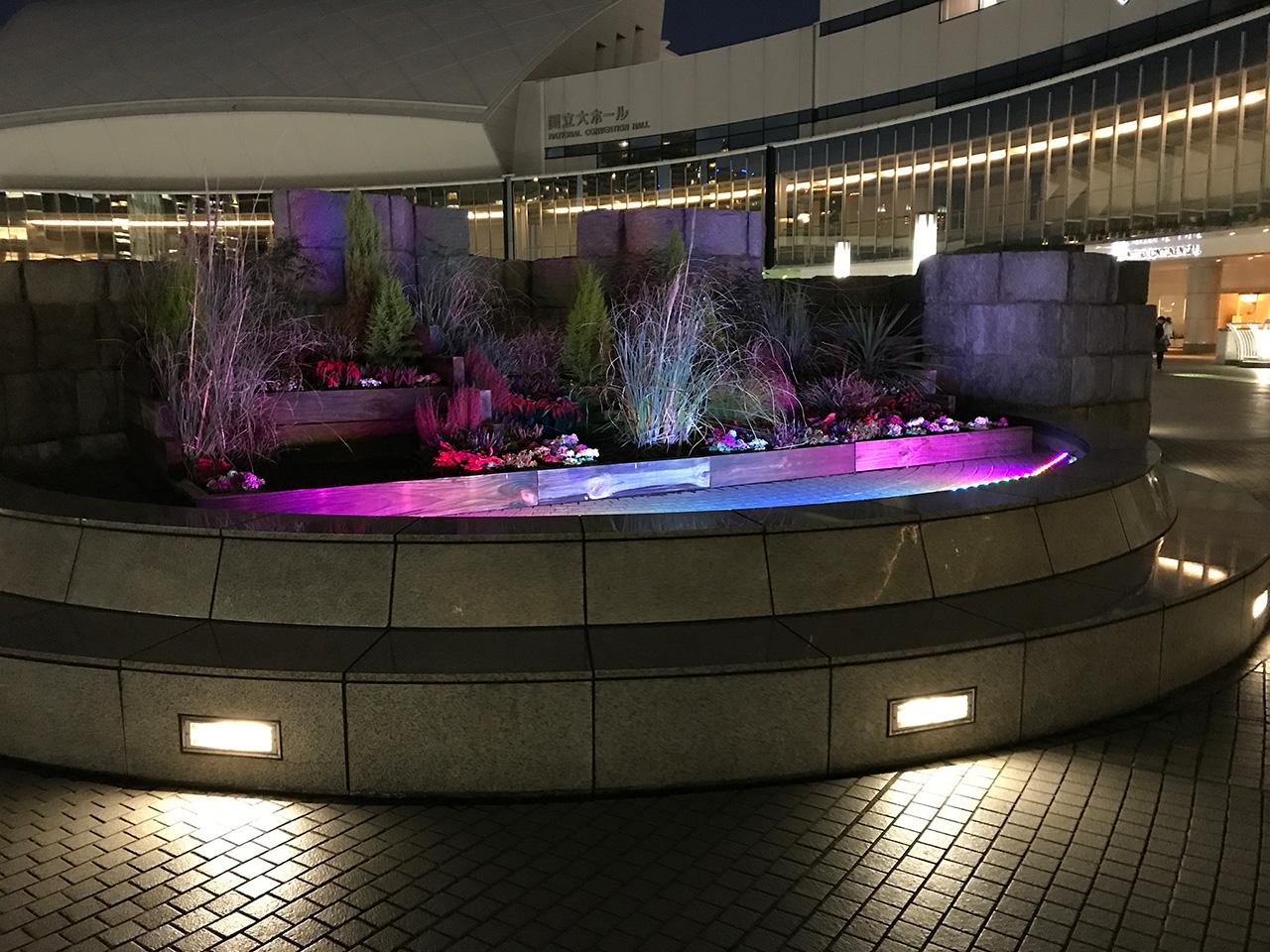 パシフィコ横浜エントランス花壇