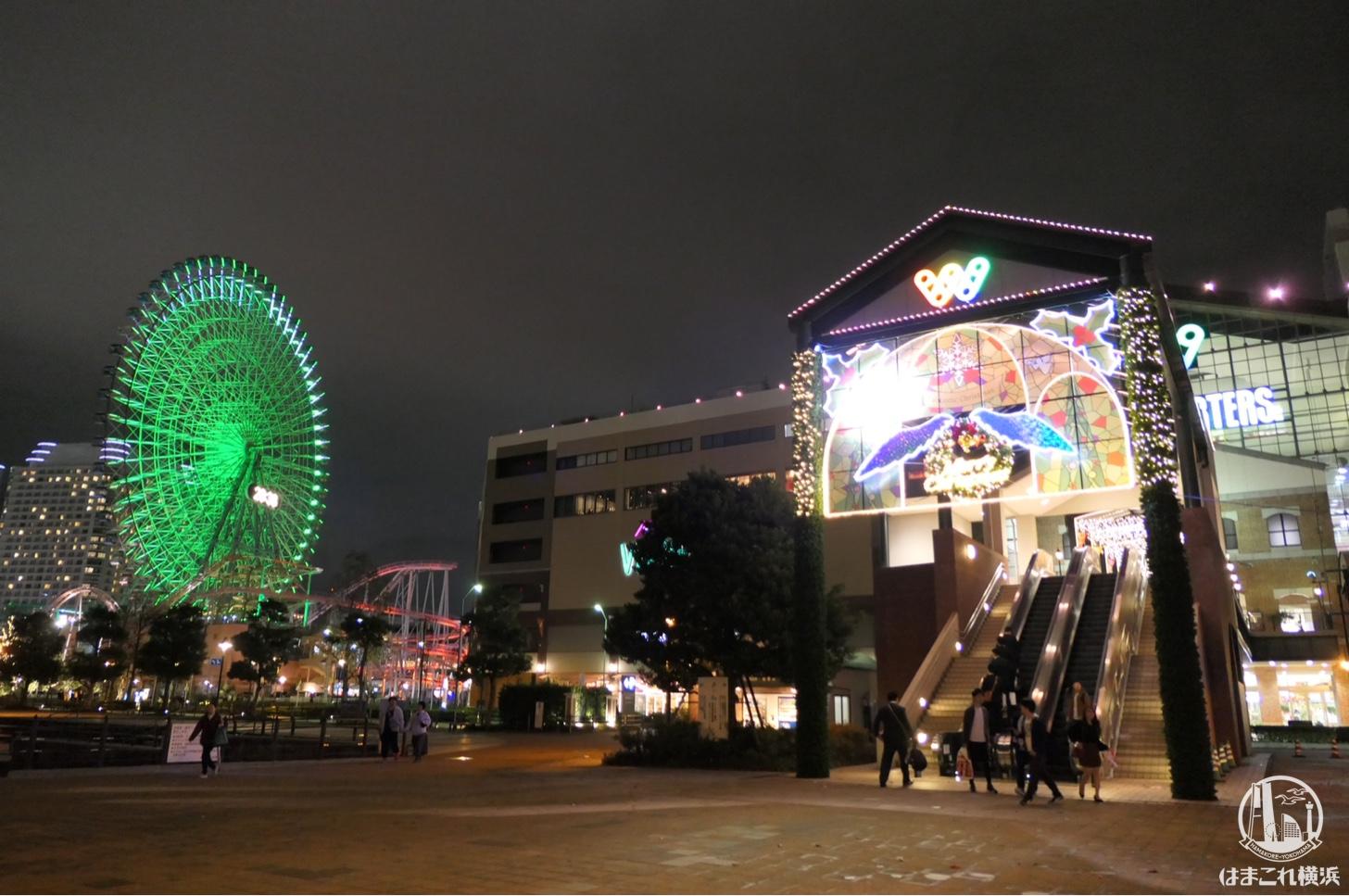 横浜ワールドポーターズ 汽車道側正面ゲート